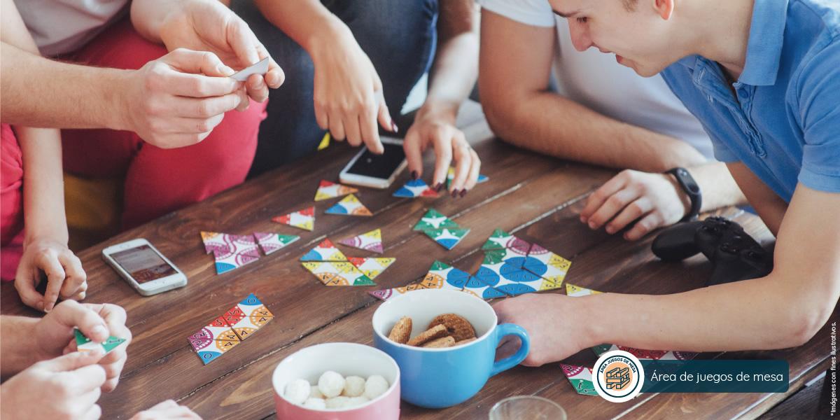 Área de juegos de mesa